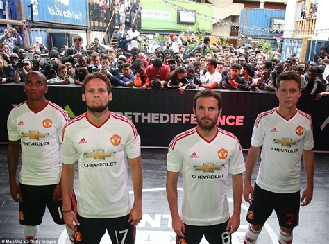 Jaket Playmaker United manchester united release new away kit as adidas pay