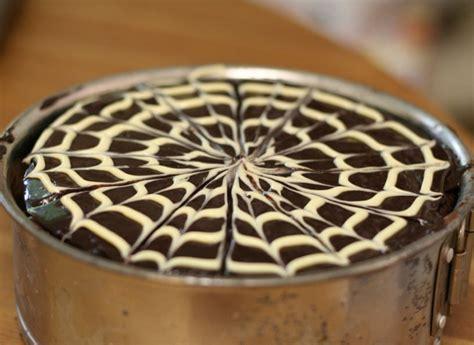 Chocolate Swirl Cake Decoration by La Cerise Chocolate Raspberry Cake