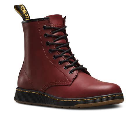 Sepatu Boots Dr Martens sepatu dr martens kini hadir dengan bobot ringan