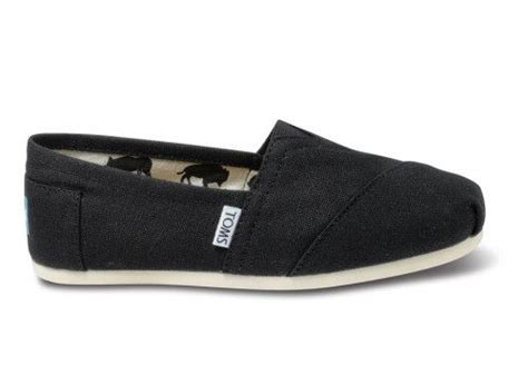 bobs or toms more comfortable best 25 toms ideas on pinterest toms outfits