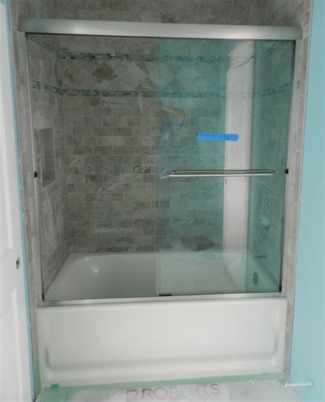 Frameless Bathtub Door by Glass Tub Door Frameless Bathroom Trends 2017 2018