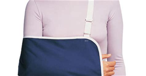 Penyangga Dan Pelindung Pergelangan Lengan Tangan alat pelindung tangan penyangga lengan armsling supporter toko medis jual alat kesehatan