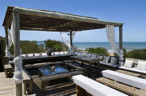 new look for an exclusive coastal residence luxury beach house rentals holiday homes for rent