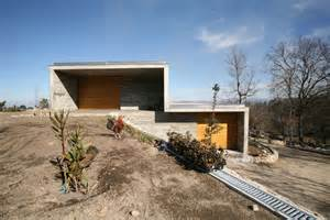 Building A House On A Slope by 8 Gravity Defying Homes Sited On Steep Slopes Architizer