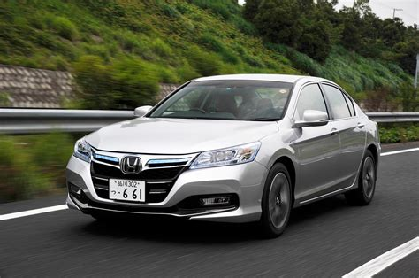 honda accord 2014 hybrid 2014 honda accord hybrid japan spec drive motor trend