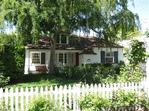 bewitched house isabel s house from the quot bewitched quot movie iamnotastalker
