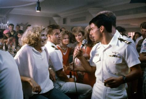 top gun bar scene song 23 cool movie moments when somebody suddenly started