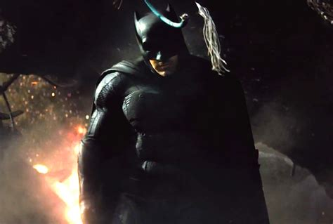 Batman V Superman 2 why batman has a gun in batman v superman trailer