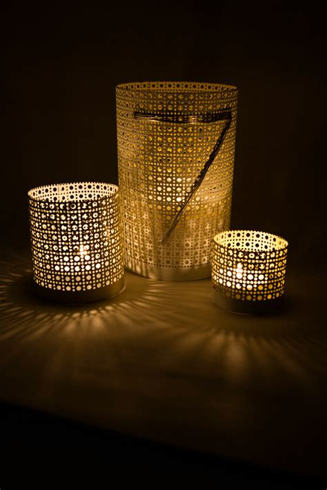 Diy Lantern Lights 12 Diy Outdoor Lighting Ideas The Craftiest