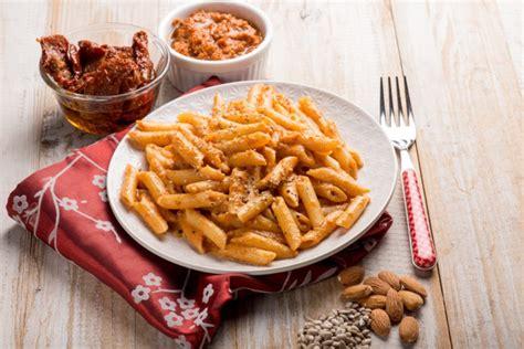 cucina trapanese ricette pesto alla trapanese la ricetta originale siciliana donnad