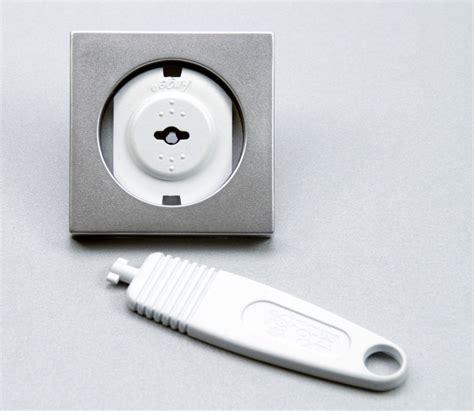 l direct op stopcontact stopcontactbeveiliging humidity sensor