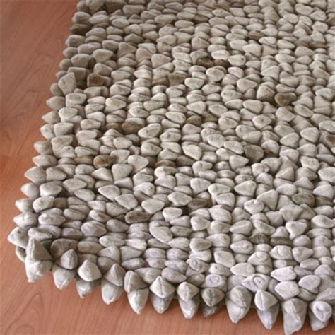 pebble rug uk dreamweavers taupe pebble rug at contemporary heaven