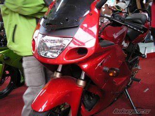 Decal Cbr 250 Rr Wheelie Word Merah foto tambahan 2011 fazer 250 tmc motonews