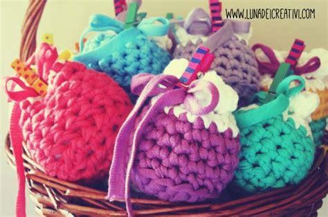sacchetti porta bomboniere bomboniera all uncinetto schema sacchetto porta confetti