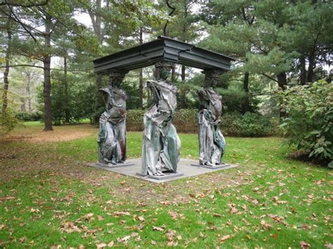 Good Besthoff Sculpture Garden #5: Modern-caryatid-sculpture.jpg