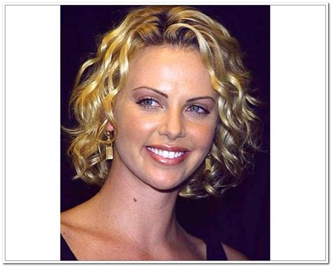 frizzy aged hair 5 great middle aged hairstyles ideas that you can share