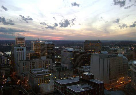 richmond va file richmond virginia downtown jpg wikimedia commons
