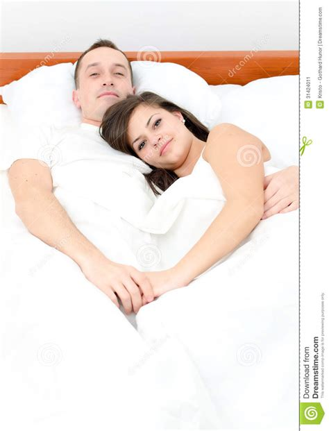 men and women in bed women and men in bed www imgkid com the image kid has it