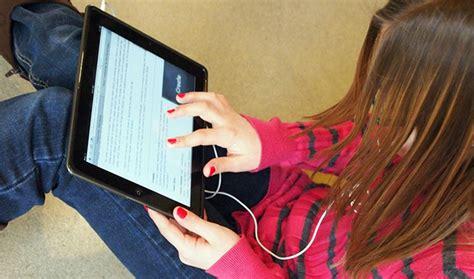 imagenes de universidades virtuales the pros and cons of social media classrooms zdnet