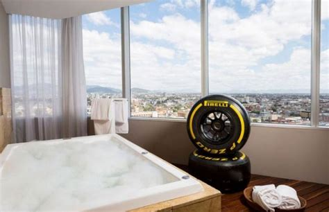 hilton create dream f1 hotel room inspired by jenson hilton mexico city reforma s fancy mclaren honda inspired