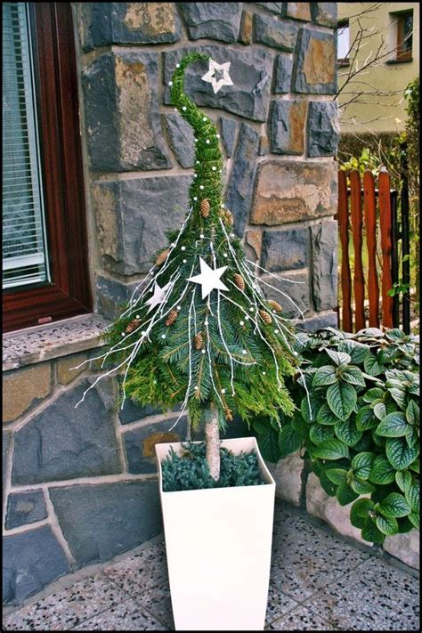 einfache weihnachtstisch dekorationen sehr sch 246 ne idee deko weihnachtsb 228 ume