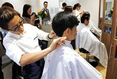 express haircut sg qb house brings express haircuts to new york the japan times
