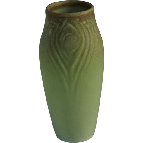 vase patterns unusual rookwood pottery peacock feather pattern vase