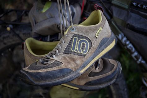 best bike touring shoes bike touring shoes five ten aescents bikepacking