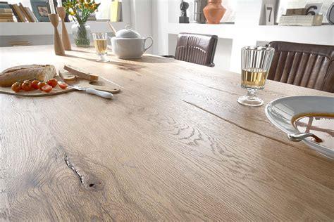 soggiorno sala da pranzo tavolo da pranzo monviso mobile legno massiccio design