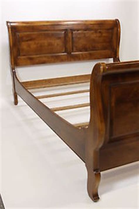 ethan allen sleigh beds ethan allen sleigh bed country french collection 26 5611 queen size 1990 maple ebay