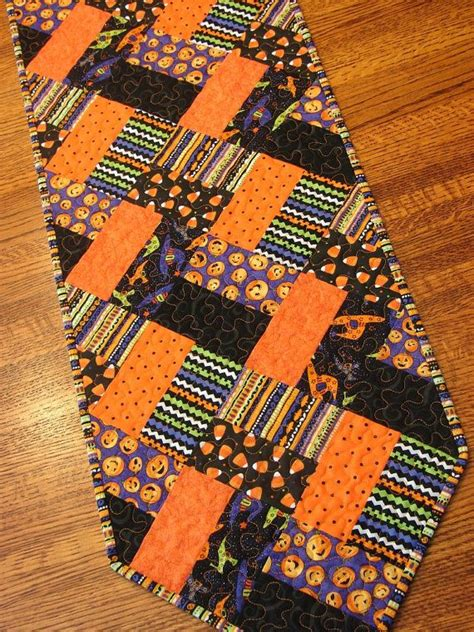 quilting table runners beginners 317 best autumn quilts images on quilt