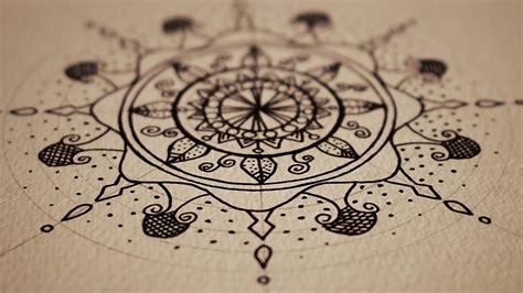 تعليم الرسم كيف ترسم زخارف ماندالا بالحبر للمبتدئين
