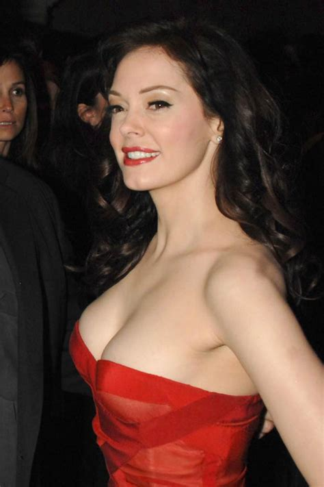 actress rose mcgowan which of your fave celebs have performed for your