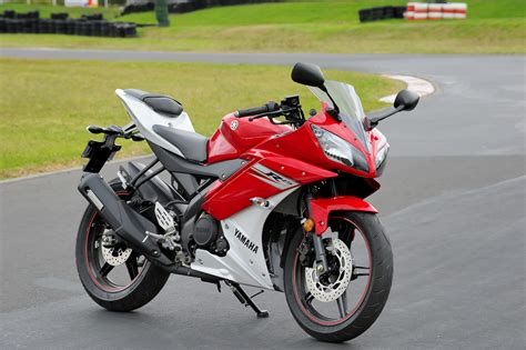 r15 photo review 2013 yamaha yzf r15 launch bike review