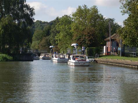 thames river hotel river thames