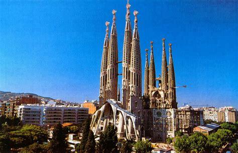 the sagrada familia gauds barcelona surroundings the sagrada fam 237 lia gaud 237 s last work