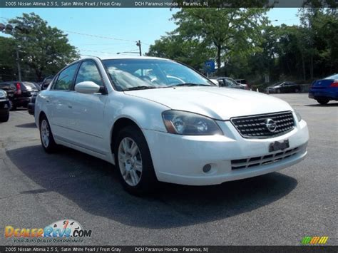 nissan altima white 2005 2005 nissan altima 2 5 s satin white pearl gray