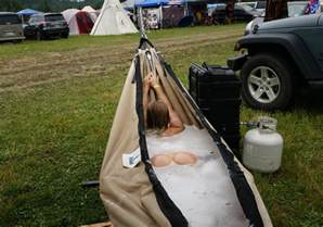 Soaking Bathtubs For Two Hydro Hammock Portable Tub Hammock The Green Head