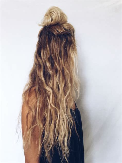 how does the beach hair style look on women long hair blonde curly wavy natural kcdoubletake com
