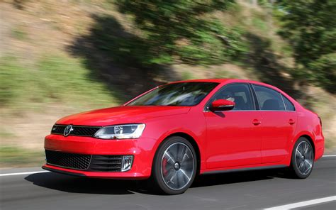 volkswagen jetta r line 2013 volkswagen jetta gli gets launch control power boost
