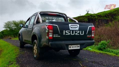 Xblade Cross 04 isuzu v cross price in india features specifications