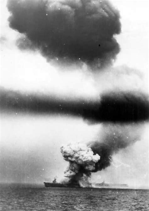 the philippine sea 1944 1472819209 uss st lo cve 63 hit by kamikaze in second battle of philippine sea 1944 world war photos