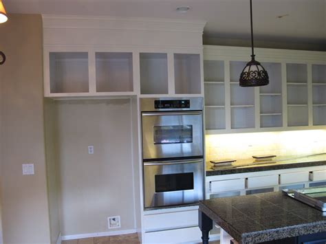 how to stagger existing cabinets remodelaholic my uncommon slice of suburbia kitchen