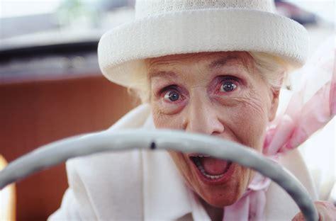 donna al volante ci scrive una quot donna al volante quot per difendere la