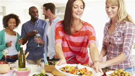 party at home 5 tips for organizing a party at home couponsgrid com