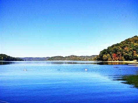 boat repair near dale hollow lake bring your on boat and keep it at our marina picture of