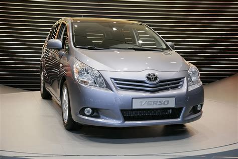 world auto toyota new 2010 toyota verso reavealed at geneva photos it s