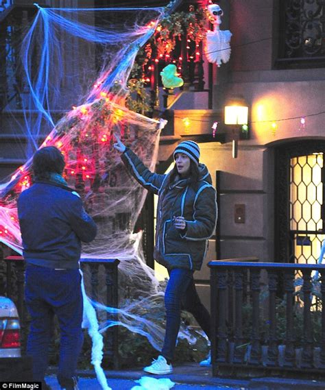 decorations in new york 28 images nyc s preparations liv decorates new york house in spooky trinkets in time for