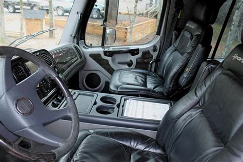 Freightliner Truck Interior by 2006 Freightliner Sport Chassis P2 Truck 88935