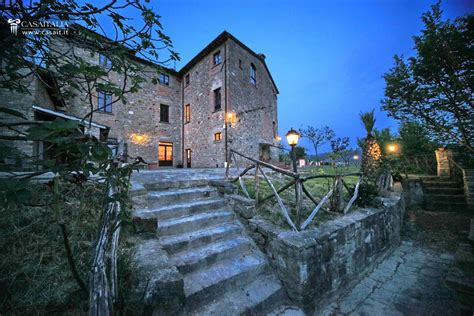 Farmhouse Blueprints b amp b with swimming pool for sale in umbria